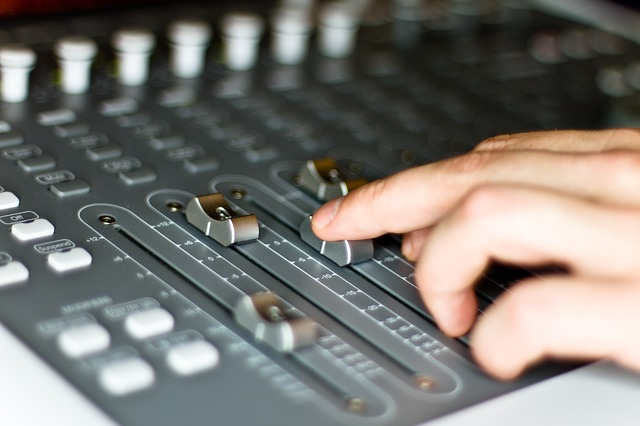 A Sound Engineer (hourly, min 3 hours)