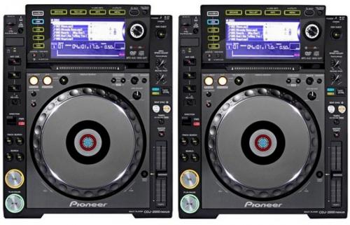 2 x Pioneer CDJ2000 Nexus