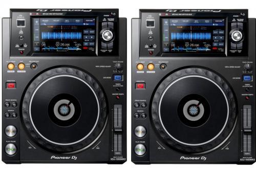2 x Pioneer XDJ1000